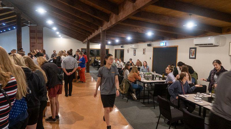 Visitar un poblado maorí en Nueva Zelanda: la cena