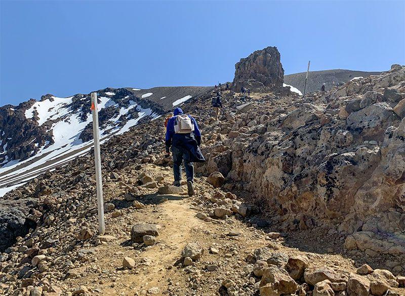 Tongariro Alpine Crossing: subida al Red Crater