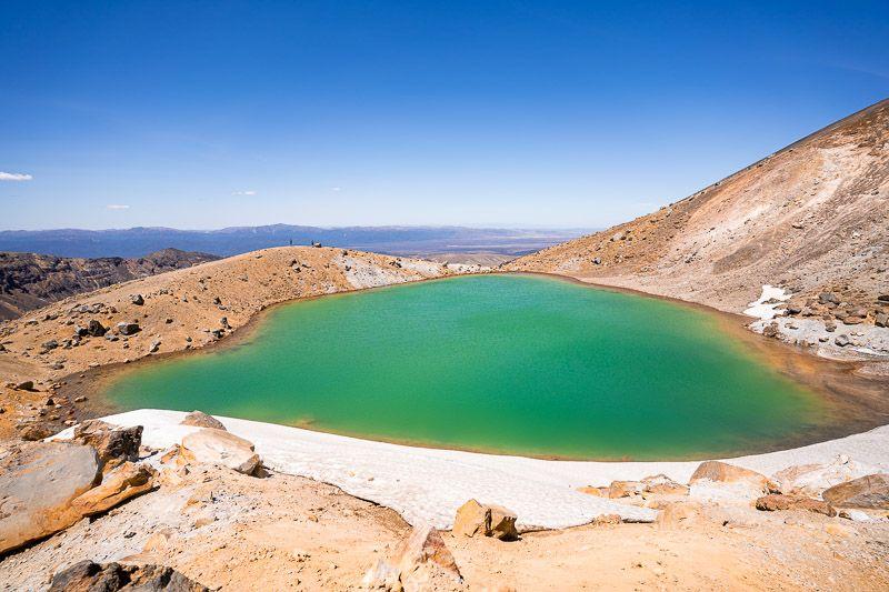 Tongariro Alpine Crossing: Emerald Lakes