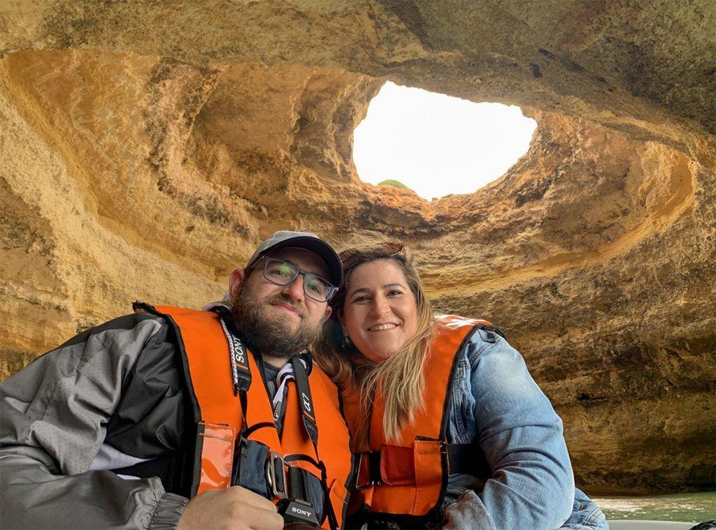 Paseo en barco por las cuevas de Benagil: cuál elegir, precios, horarios e información útil