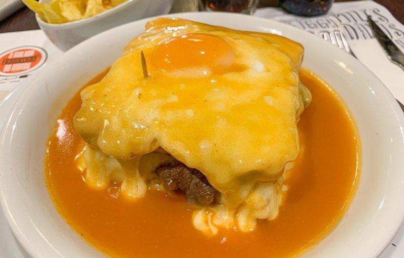 Dónde comer en Oporto: francesinha - qué hacer en Oporto