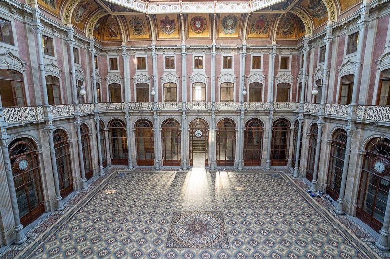 Visitar el Palacio de la Bolsa en Oporto: el patio de las Naciones - cómo moverse por oporto