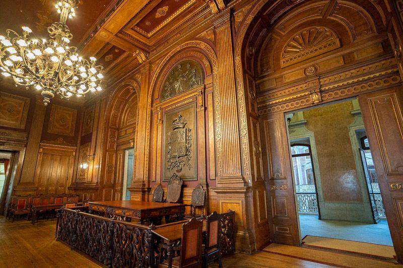 Visitar el Palacio de la Bolsa en Oporto: el tribunal de Justicia