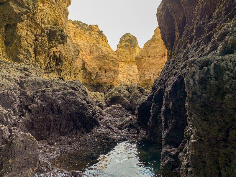 Paseo en barco por Ponta da Piedade: hay cuevas realmente impresionantes