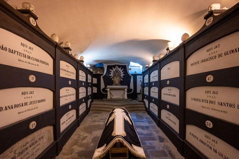 Visitar la iglesia de San Francisco en Oporto: las catacumbas