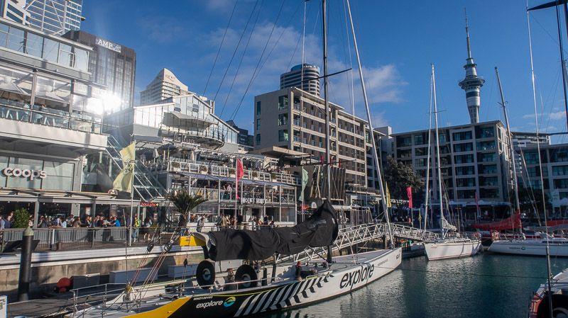 Qué hacer en Auckland: tomarse una copa en Viaduct Harbour