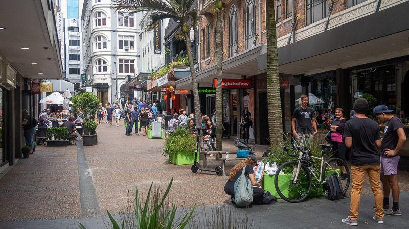 Qué hacer en Auckland: tomarse algo en alguna de las cafeterías de Vulcan Lane