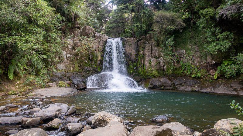 Etapa 20 por NZ en la península de Coromandel: Waiau Falls