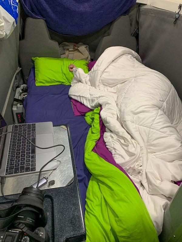 Alquilar una camper en Nueva Zelanda: durmiendo en Justina
