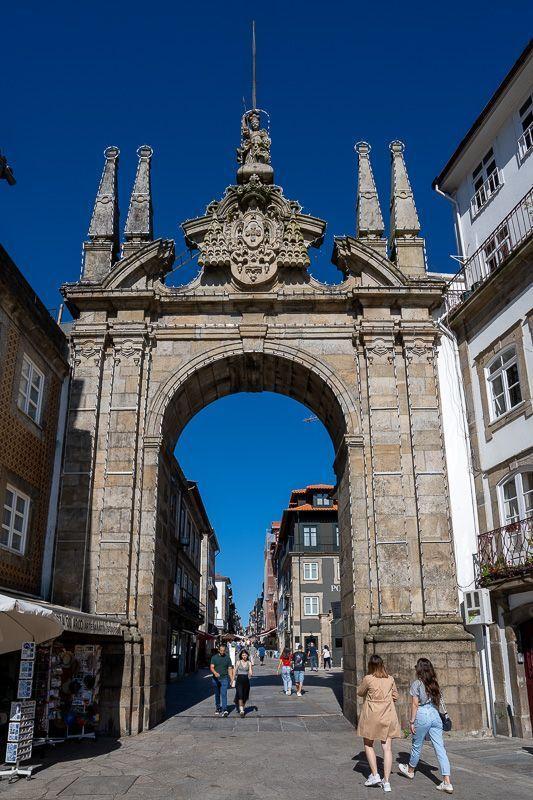 Qué ver en Braga: Arco da Porta Nova