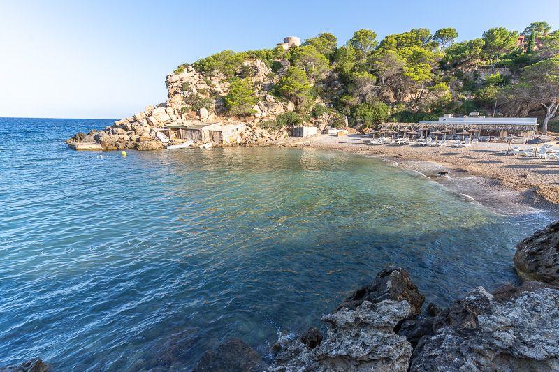 Qué ver en Ibiza: Cala Carbó