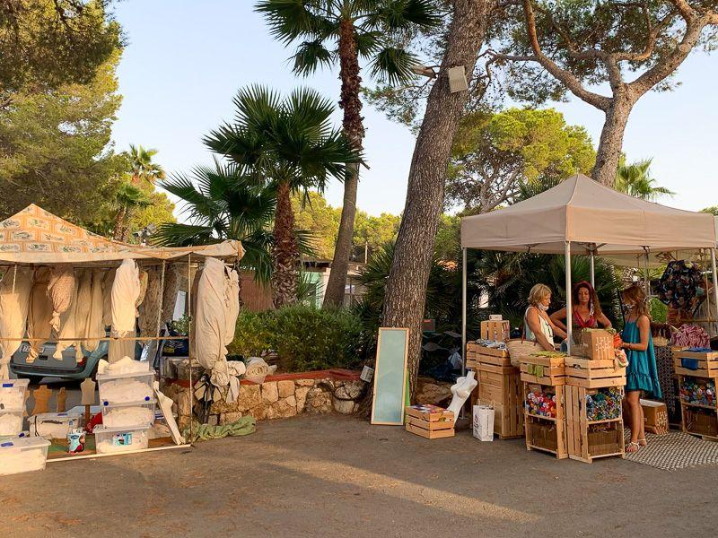 Qué ver en Ibiza: Mercadillo Punta Arabí