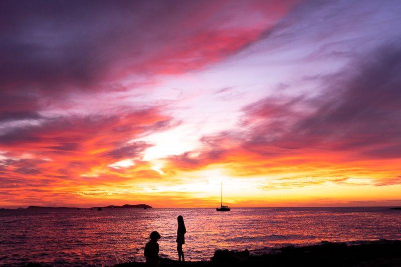 Qué ver en Ibiza: atardecer en San Antonio