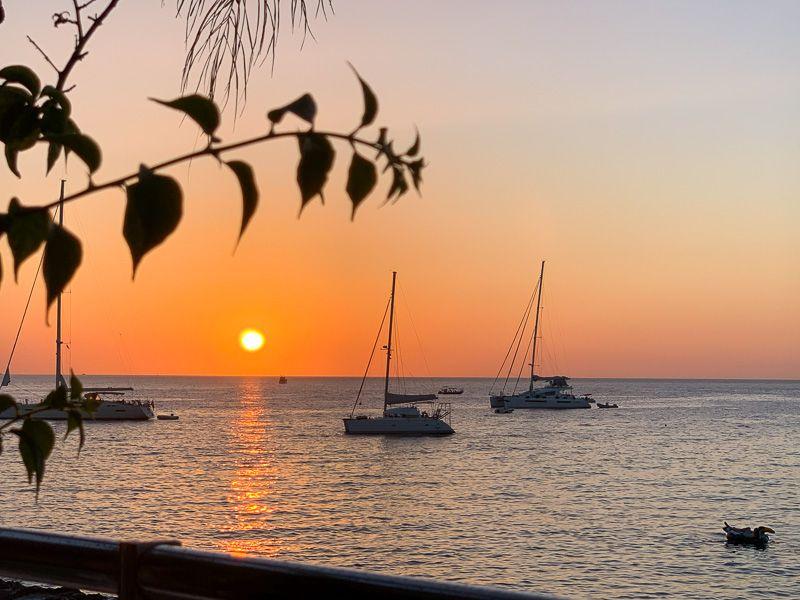Qué ver en Ibiza: puesta de sol en San Antonio