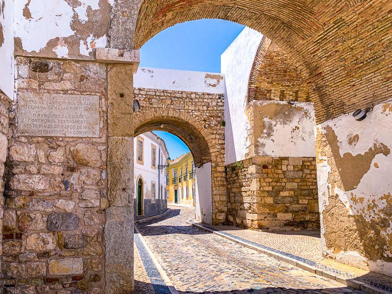 Qué ver en Faro: Arco do Repouso - Imprescindibles en la ruta N2