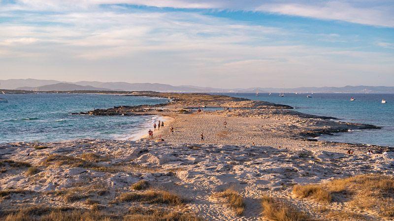 Qué ver en Formentera: Ses Illetes - 5 lugares imprescindibles en Formentera que no te puedes perder por nada del mundo - Las mejores playas y calas de Formentera
