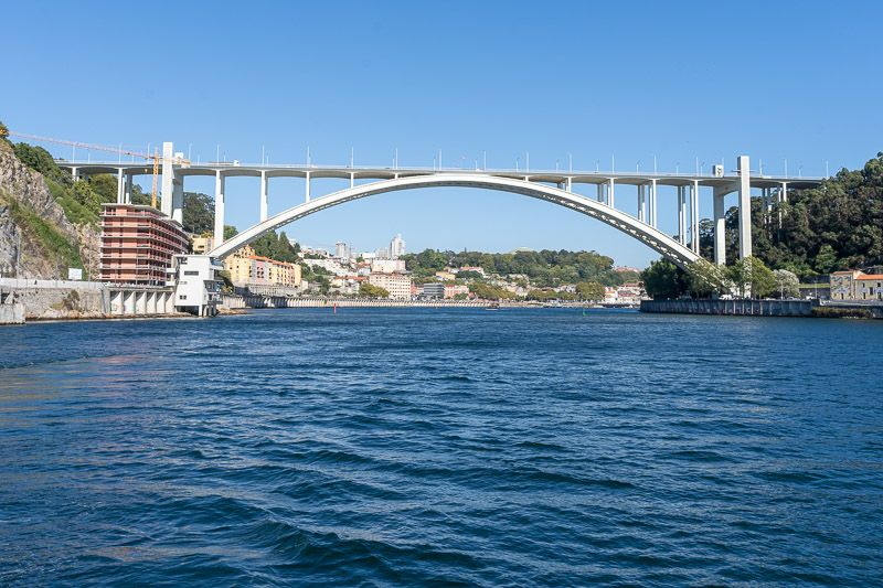 Crucero de los seis puentes por el Douro en Oporto: Ponte da Arrábida