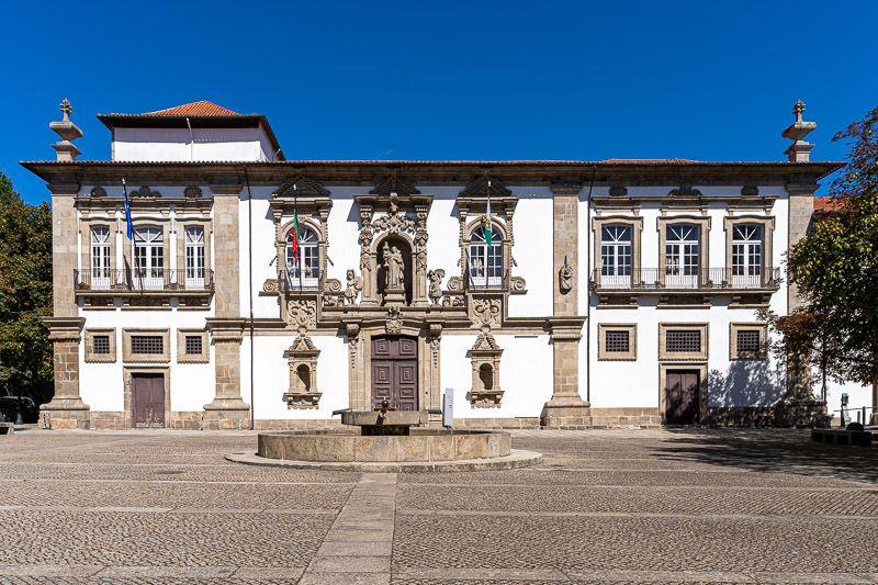 Qué ver en Guimaraes: ayuntamiento de Guimaraes