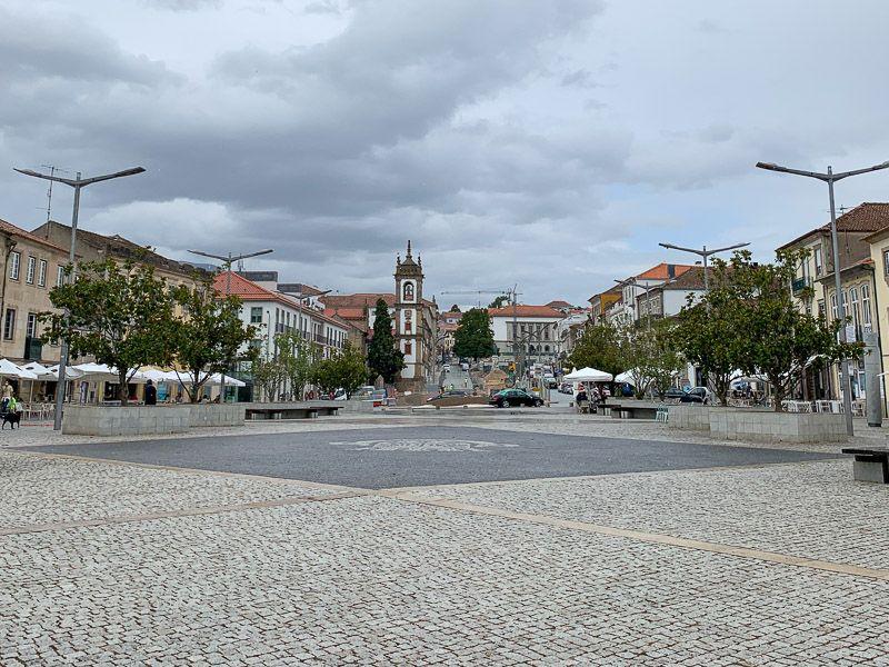 Qué ver en Vila Real: plaza de Vila Real
