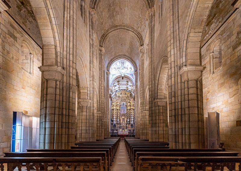 Visitar la catedral de Oporto: interior de la catedral