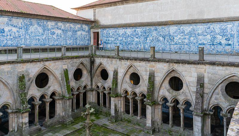 Visitar la catedral de Oporto: el claustro