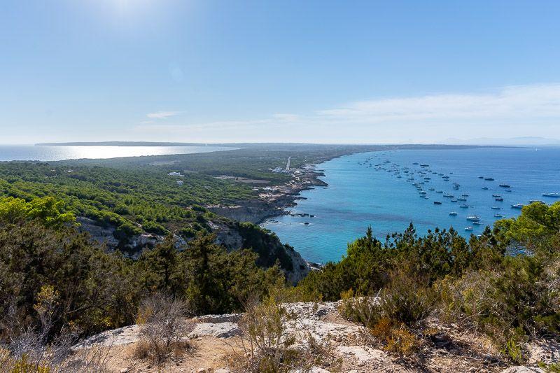 Cómo ir de Ibiza a Formentera BARATO y rápido: vistas desde el mirador de Formentera