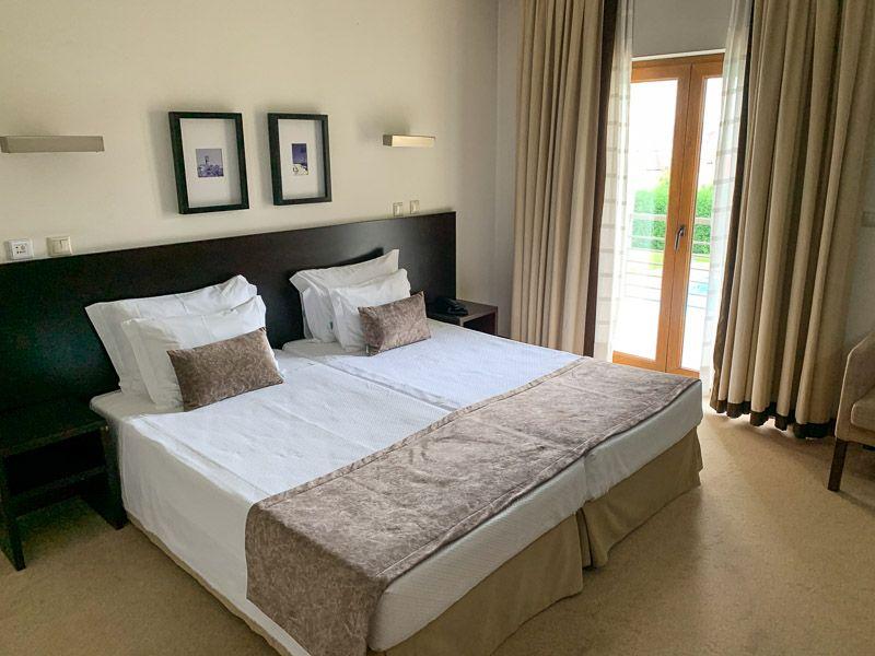 Dónde dormir en la segunda etapa de la N2: Hotel SJ - Cuánto cuesta una ruta en coche por la N2 - Dónde dormir en la ruta por la N2