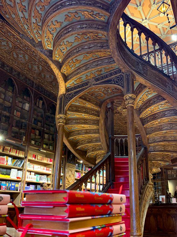 Así es la visita a la librería Lello en Oporto, famosa gracias a Harry Potter
