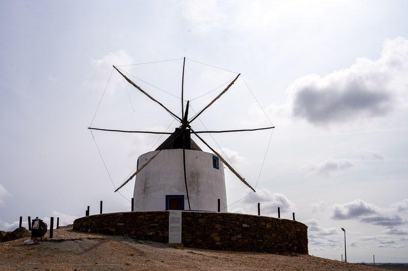 Etapa 5 de la ruta por la N2 entre Ferreira do Alentejo y Faro: moinho de Aljustrel