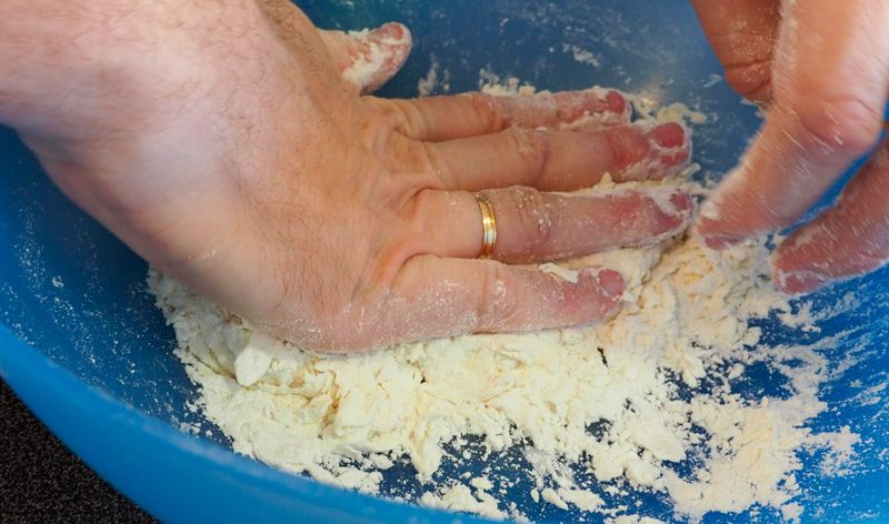 Receta de gyozas: con las manos en la masa
