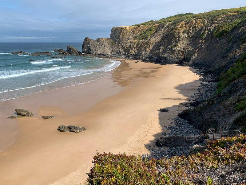Qué ver y hacer en la Costa Vicentina: Praia da Amália - imprescindibles en portugal
