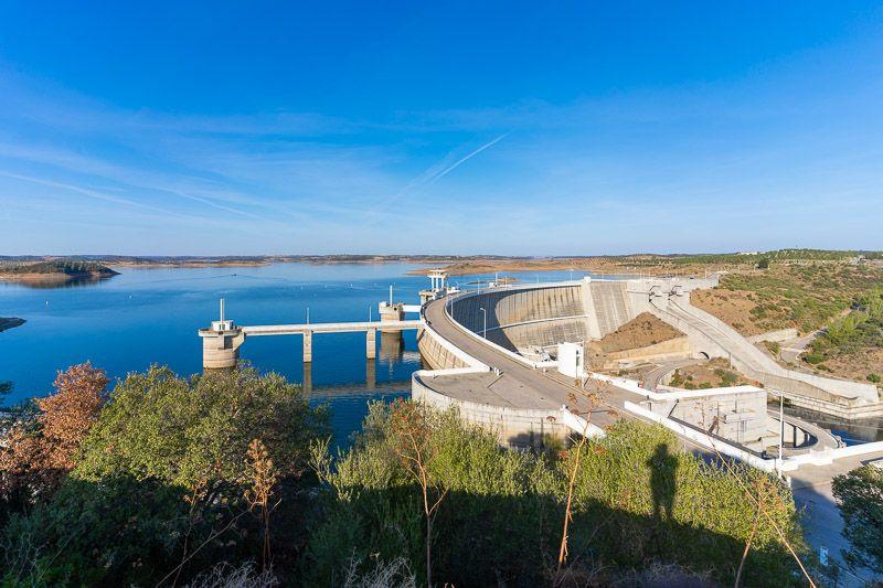 Qué ver en el lago Alqueva: presa de Alqueva