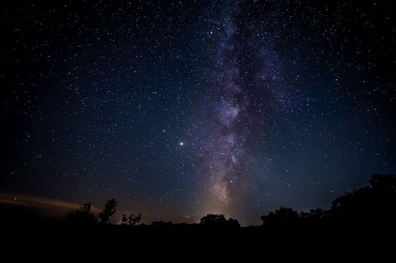 Qué ver en el lago Alqueva: foto nocturna desde el hotel Montimerso