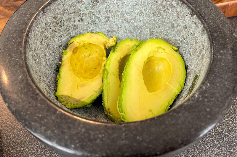 Receta de guacamole casero: es imprescindible que uses aguacates maduros