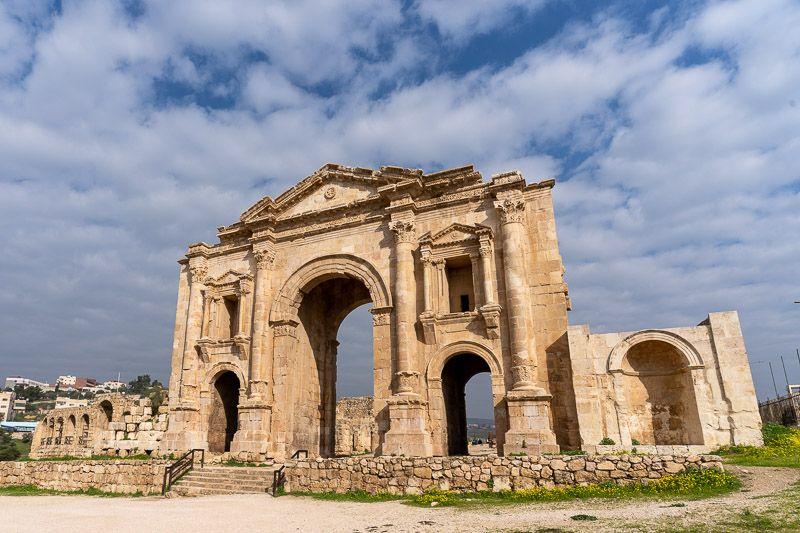Visitar Jerash: Arco de Adriano