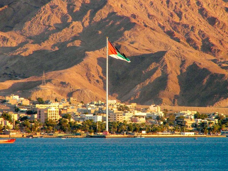 Qué hacer en Áqaba: flipar con el enorme mástil