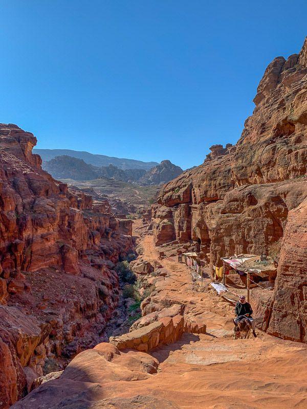 Qué ver en Petra: subida al Monasterio