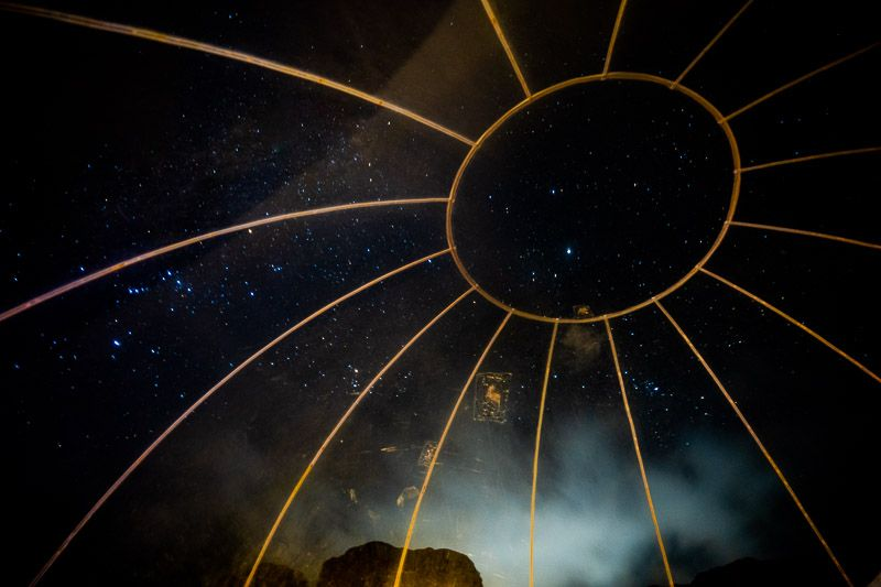 Dormir en una burbuja en Wadi Rum: pasar la noche en el desierto es una experiencia brutal