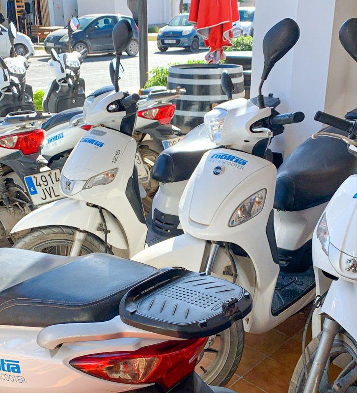Alquilar una moto en Formentera: TODO lo que tienes que saber