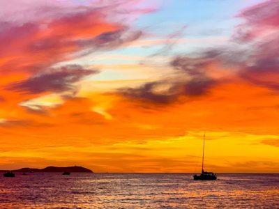 15 consejos para viajar a Ibiza (y no liarla)