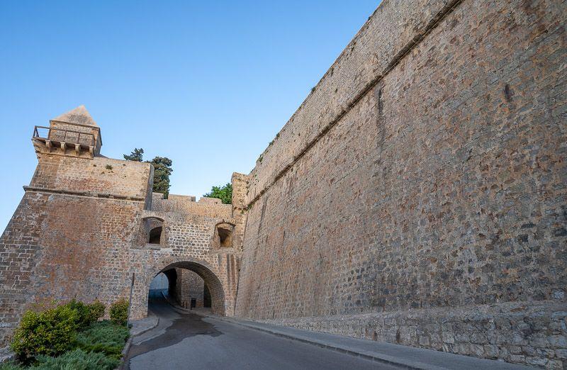Qué ver en Ibiza ciudad: Baluarte de Sant Pere