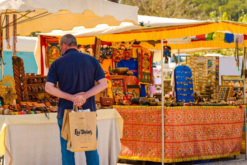 Mercadillos de Ibiza: Las Dalias
