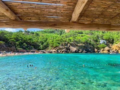 Las 8 mejores playas y calas de Ibiza [MAPA + CONSEJOS]