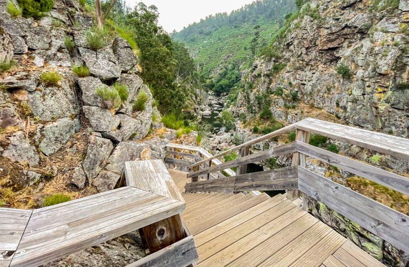 Puente 516 Arouca: vas a tener que subir unas cuantas escaleras