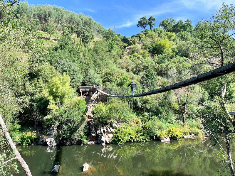 Puente colgante en los Pasadizos del Paiva